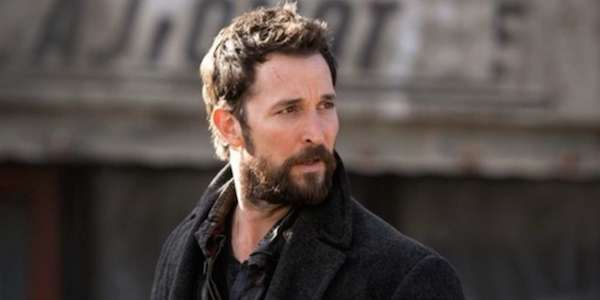 Noah Wyle Falling Skies Perfect Citizen