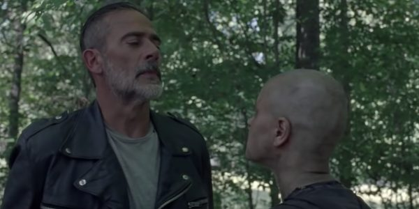 The Walking Dead 10B clip Negan e Alpha