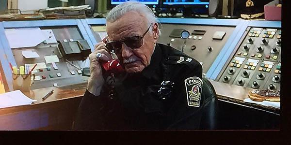 Un video illustra come i cammei di Stan Lee nei film Marvel siano tutti collegati