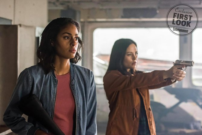 """Supernatural -- """"Wayward Sisters"""" -- Image Number: SN1310b_0015.jpg -- Pictured (L-R): Clark Backo as Patience and Katherine Ramdeen as Alex -- Photo: Dean Buscher/The CW -- © 2017 The CW Network, LLC All Rights Reserved"""