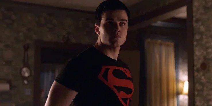 Titans Superboy